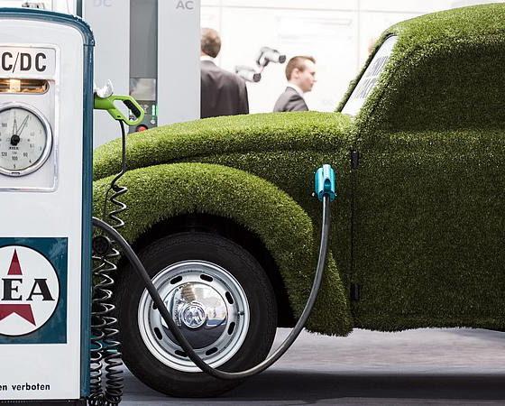 <a href=http://www.rinnovabili.it/mobilita/cina-marcia-indietro-auto-elettriche-222/ class=